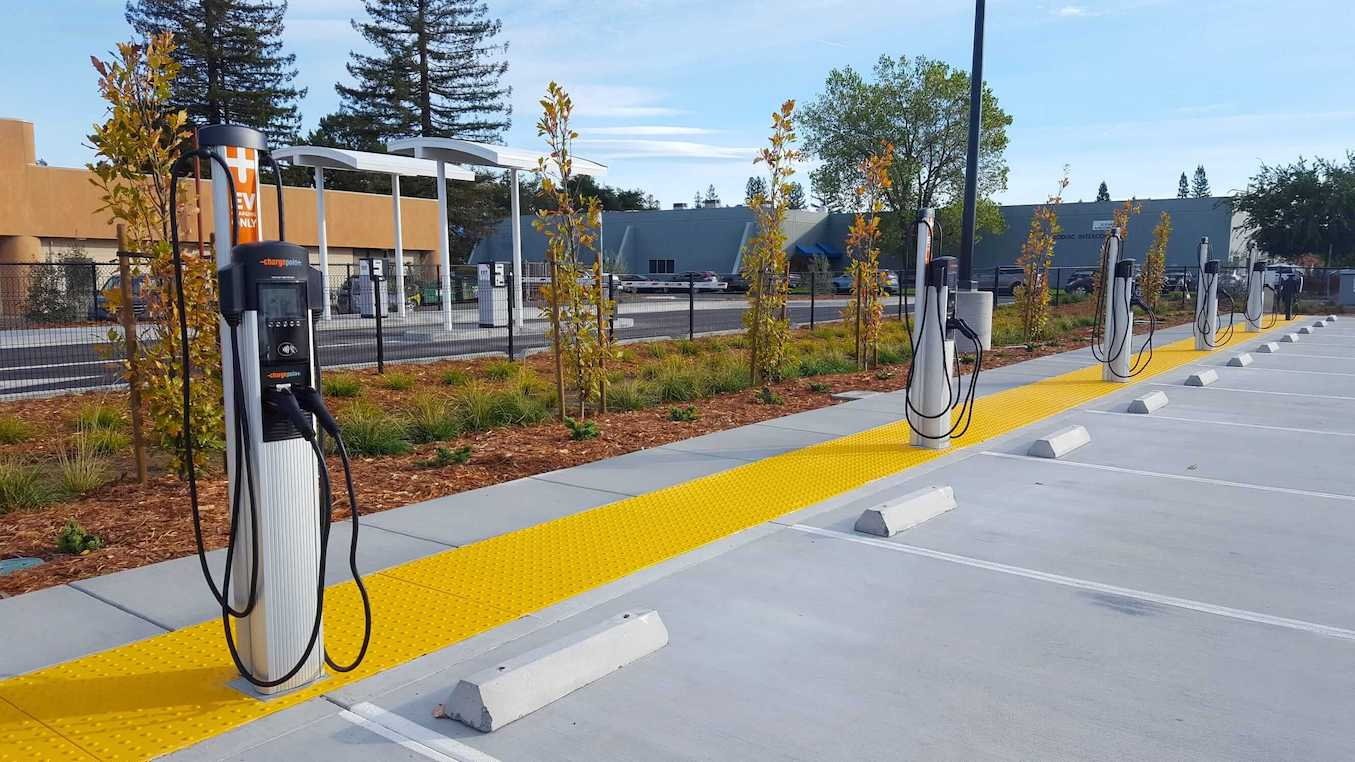 ChargePoint EV Charging Stations at Sonoma County Airport